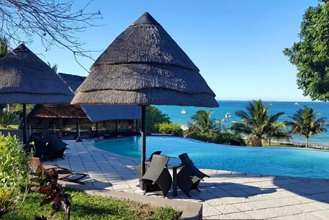 This delightful beach resort is situated at Vilanculos catering for those guests who are seeking all the advantages of a Romantic Island type experience at affordable rates